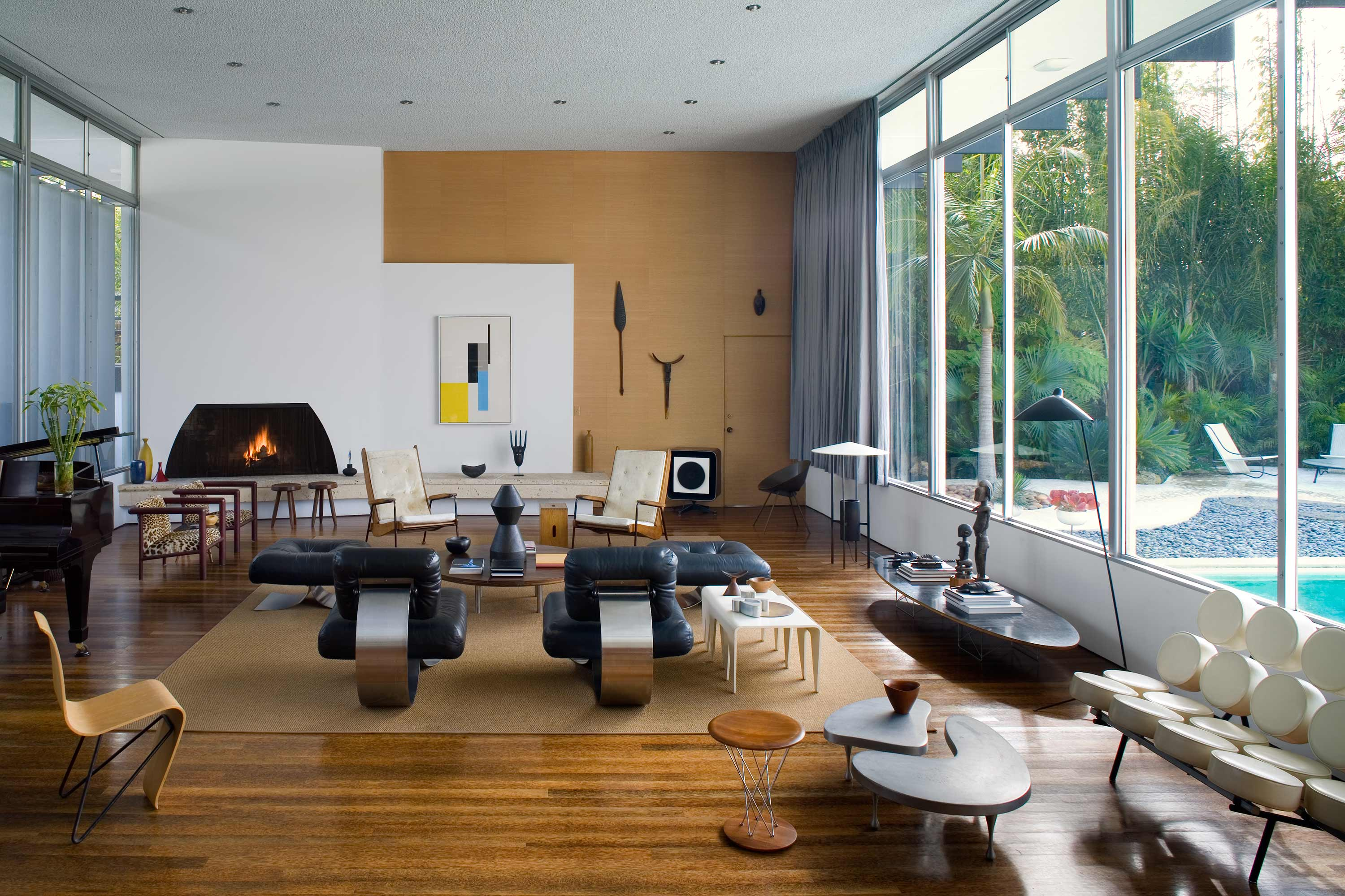 Modernist Living Room by Niemeyer